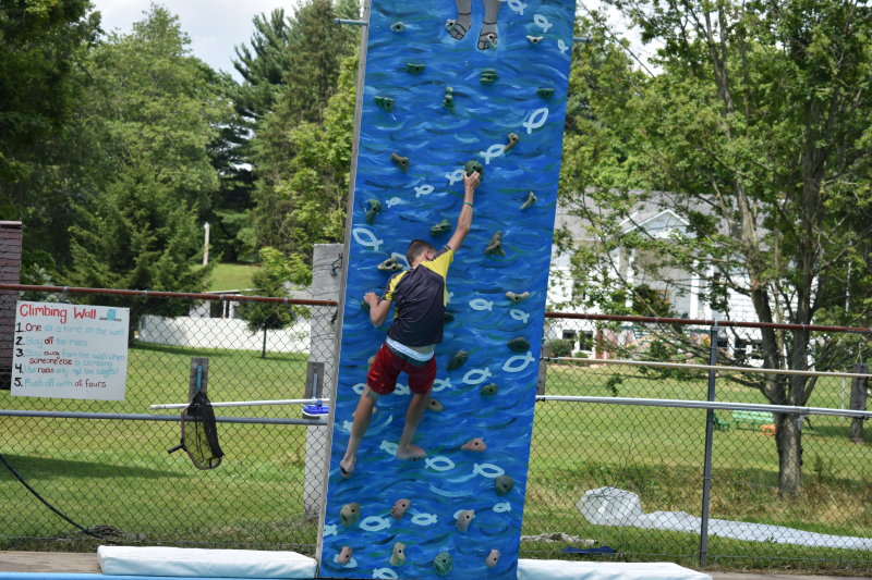 Pool Climbing boy 2